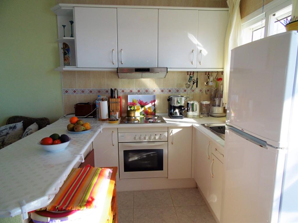 1652-kitchen1