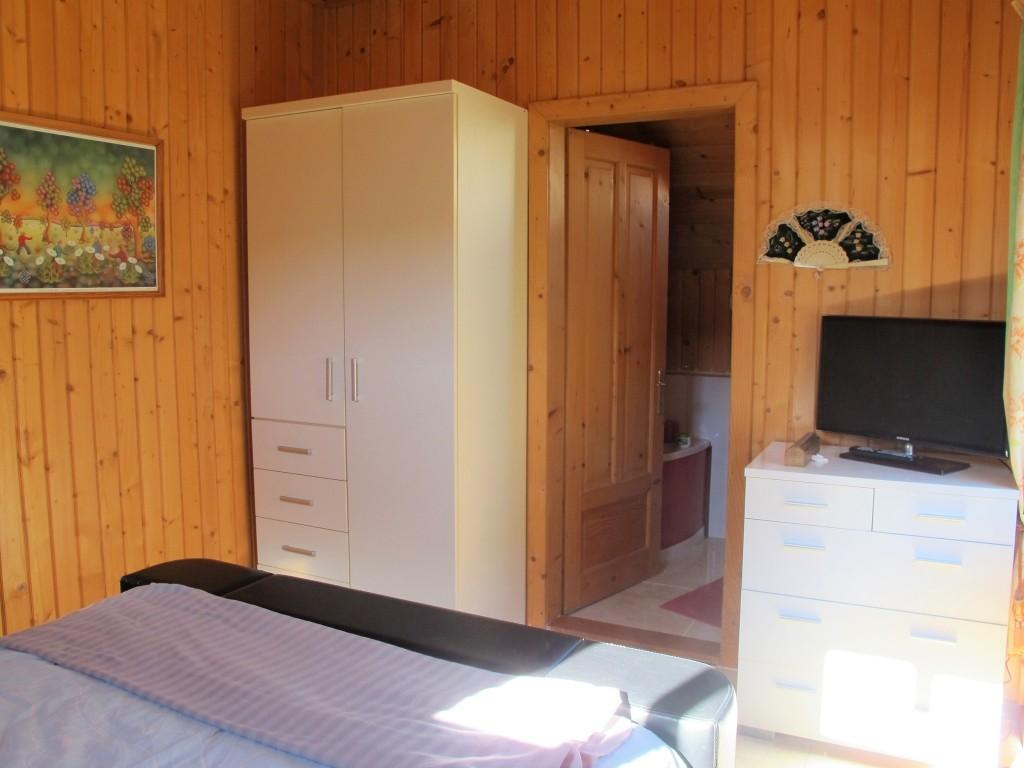 1653-bedroom3-4