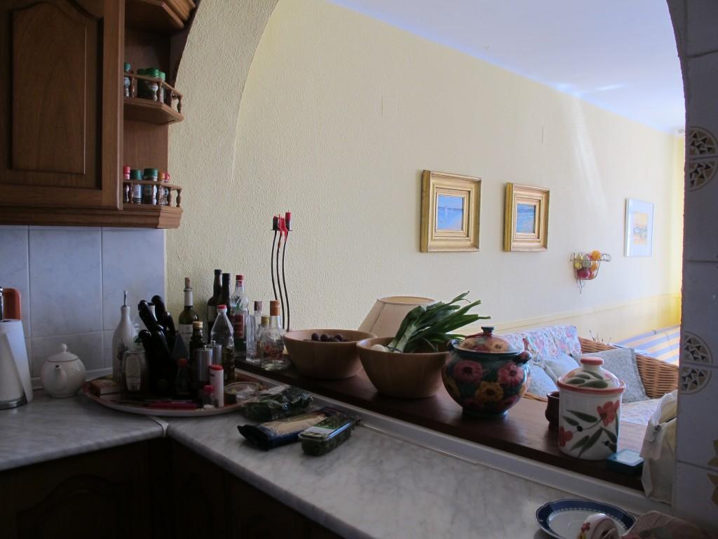 1686-kitchen2