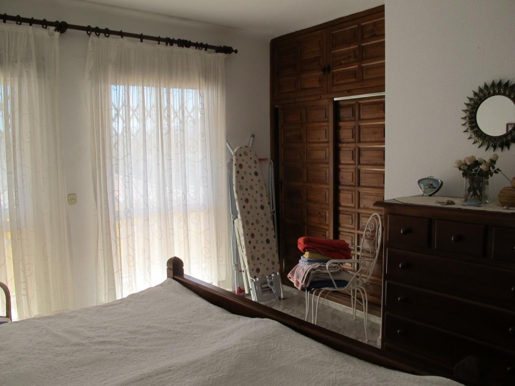 1686-bedroom1