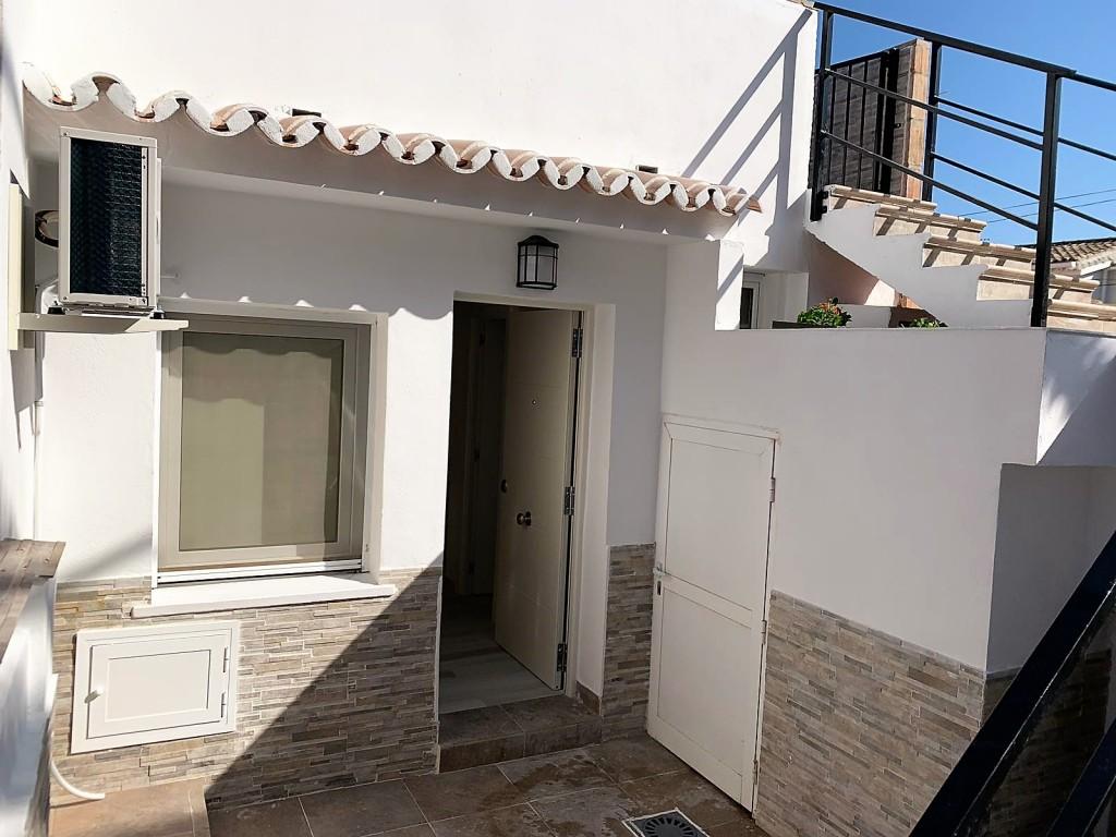 1690-patio