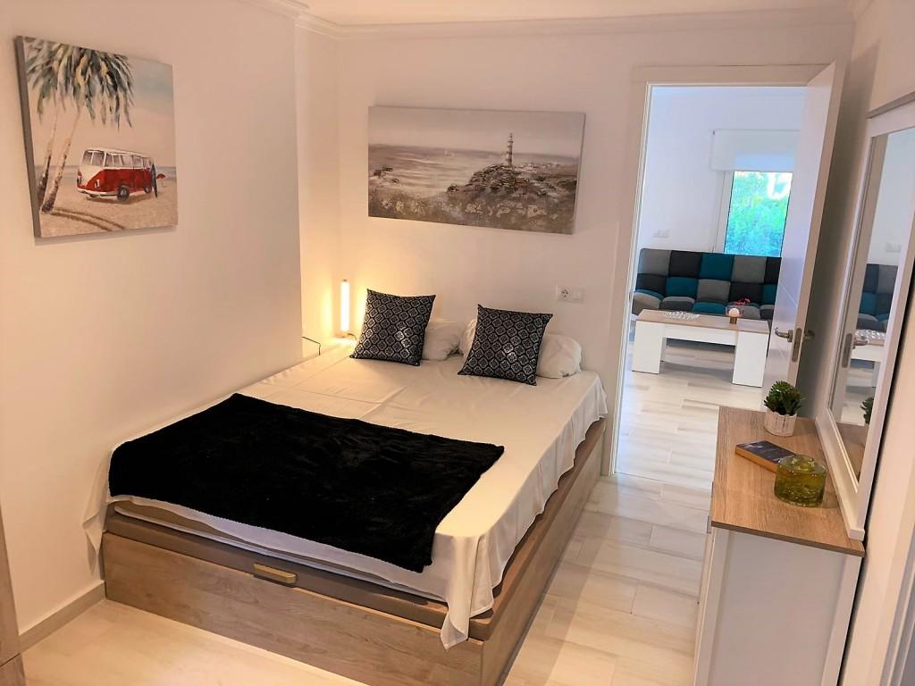 1690-bedroom4