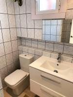 1690-bathroom
