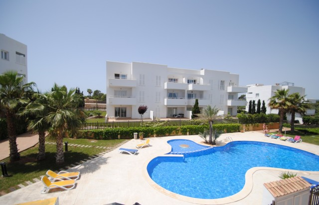 MODERN APARTMENT ONLY A 100 METERS FROM THE CALA D´OR MARINA