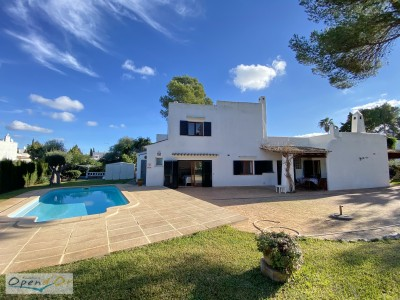 SPACIOUS SINGLE-FAMILY HOUSE SITUATED IN A RESIDENTIAL AREA IN THE SURROUNDINGS OF CALA D´OR