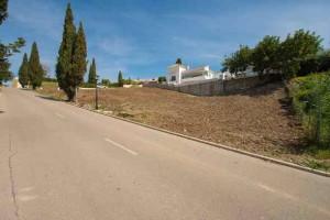 Large building plot El Paraiso Estepona
