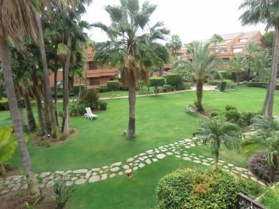 810295 - Apartment For sale in Puerto Banús, Marbella, Málaga, Spain