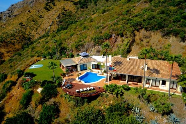 Luxury Villa for Sale in Benahavís, Costa del Sol