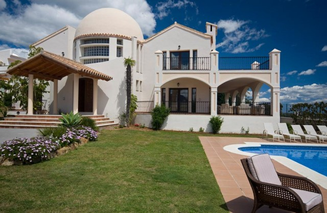 Unique Villa for Sale in Los Flamingos, Estepona