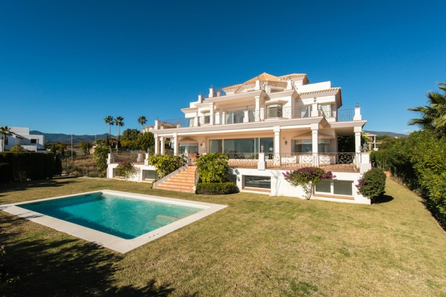 Brand New Villa for Sale in Los Flamingos, Estepona