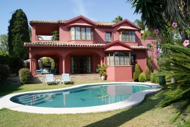 Spacious Villa for Sale in Guadalmina Alta, Marbella
