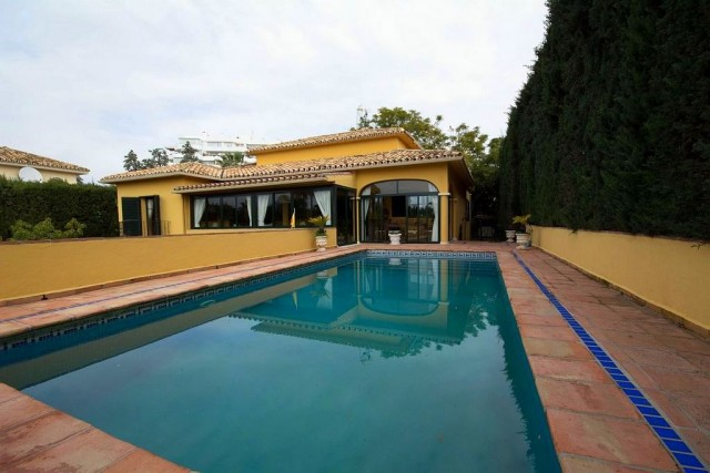 Refurbished Villa for Sale in Guadalmina Alta, Marbella