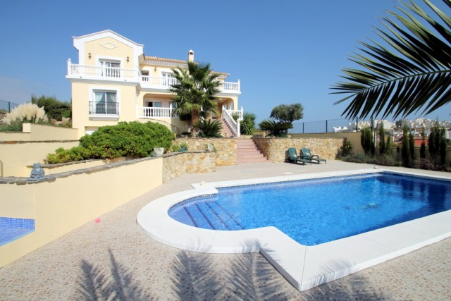 Quality Villa for Sale in Bahia de Casares, Costa del Sol