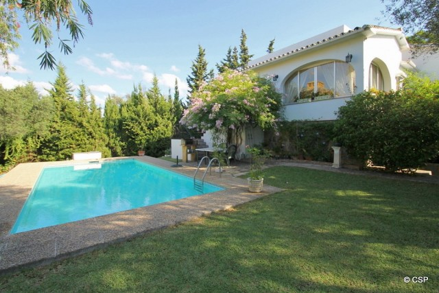 Charming Villa for Sale in San Pedro De Alcántara, Marbella
