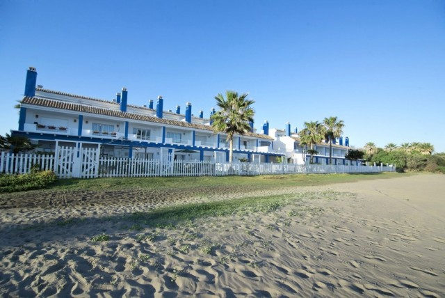 Frontline Beach Townhouse for Sale in Estepona, Costa del Sol