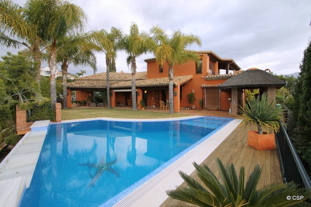 Stunning Luxury Villa for Sale in La Quinta Golf, Marbella