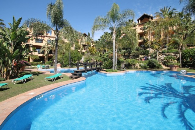 Desirable Apartment for Sale in Atalaya Alta, Estepona