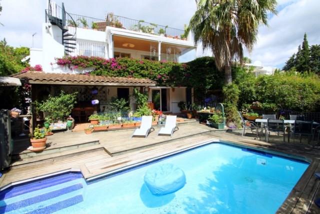 Villa te Koop in Guadalmina Alta