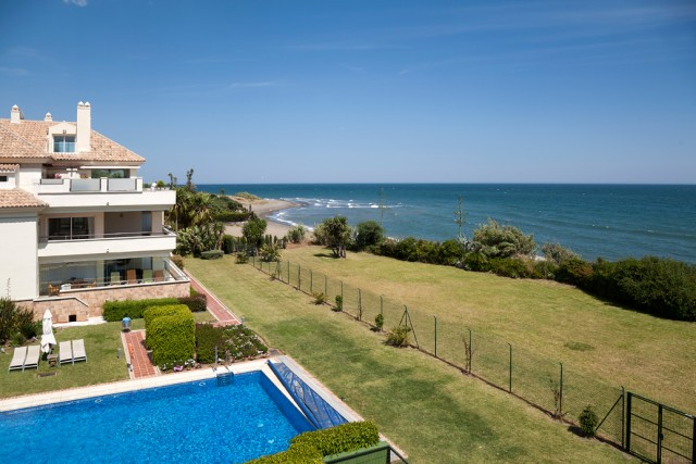 Beachfront Penthouse for Sale in Guadalmansa Playa, Estepona