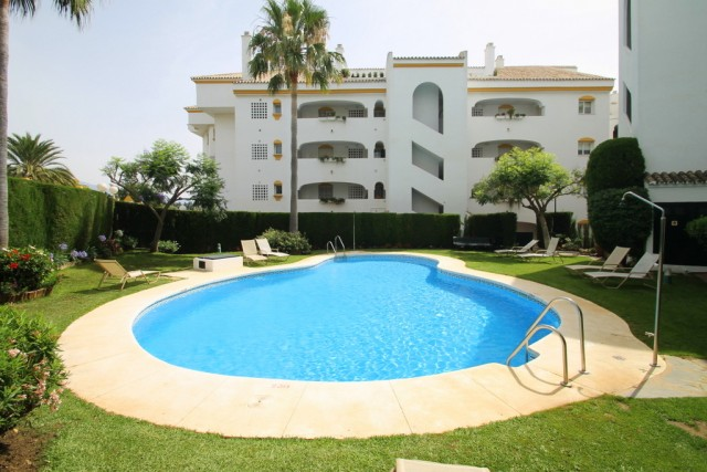 Beachside Apartment for Sale in Guadalmina Baja, Marbella