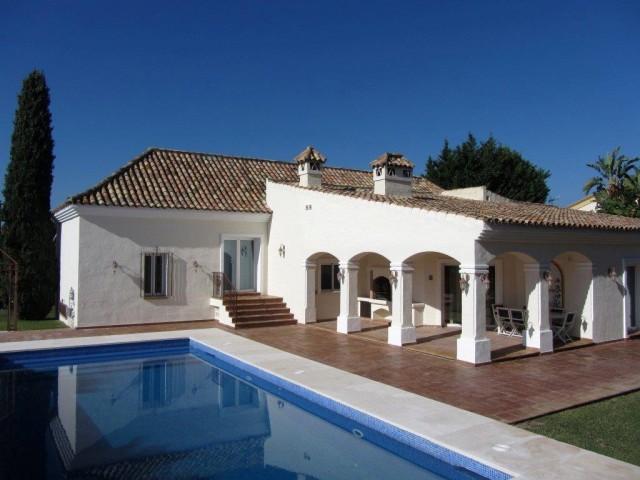 Lovely Villa for Sale in Bel Air, East Estepona