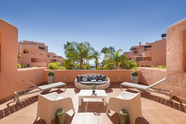 Frontline Beach Apartment for Sale in Mar Azul, Estepona