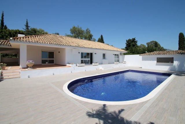 Modern Villa for Sale in Benahavis, Costa del Sol