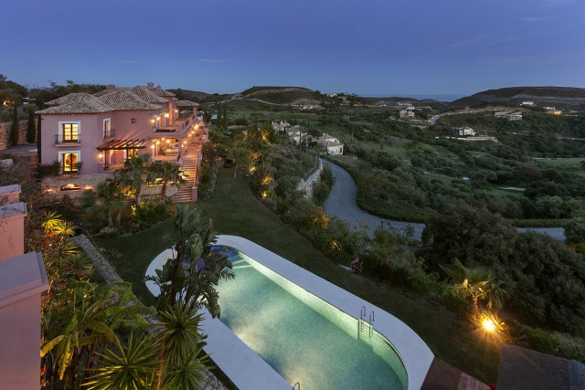 Tuscan Style Villa for Sale in Benahavis, Costa del Sol