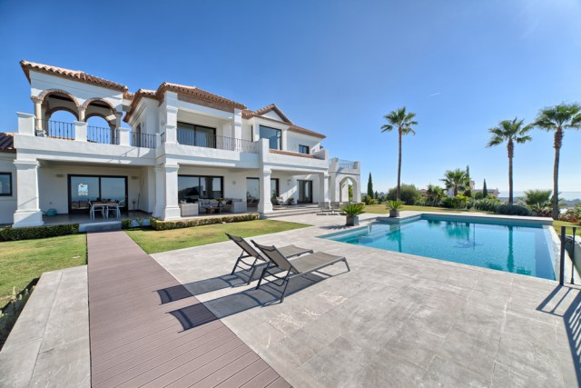Superior Villa for Sale in Los Flamingos, Estepona