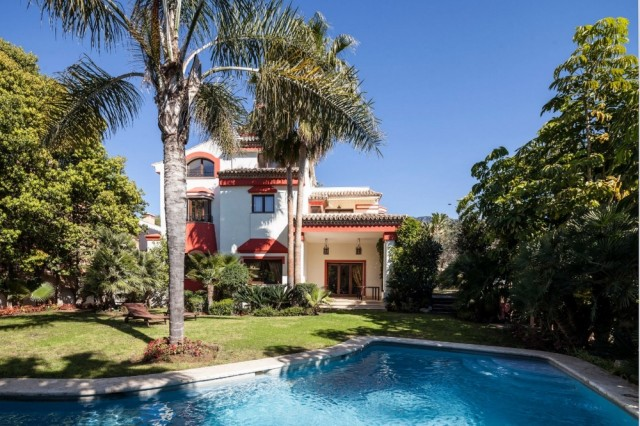 Classic Villa for Sale in The Golden Mile, Marbella