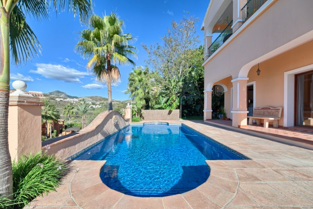 Modern Villa for Sale in La Alqueria, Benahavis