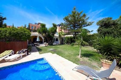 Villa for sale in El Paraiso, Estepona, Málaga, Spain