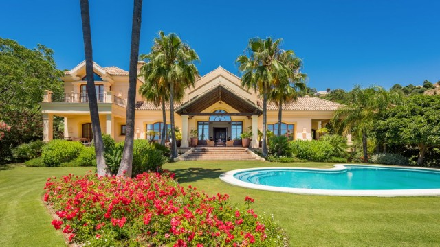 Stately Villa for Sale in La Zagaleta, Benahavis