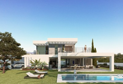 Villa for sale in New Golden Mile, Estepona, Málaga, Spain