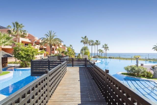 Deluxe Apartment for Sale in New Golden Mile, Estepona