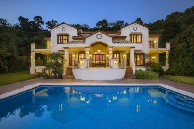 Delightful Villa for Sale in La Zagaleta, Benahavis