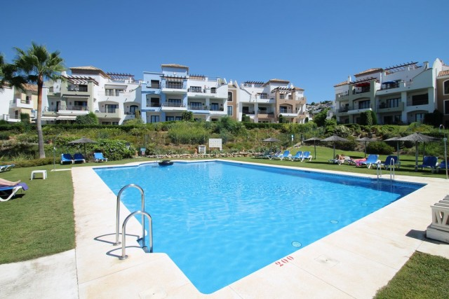 Garden Apartment for Sale inLos Arqueros, Benahavis