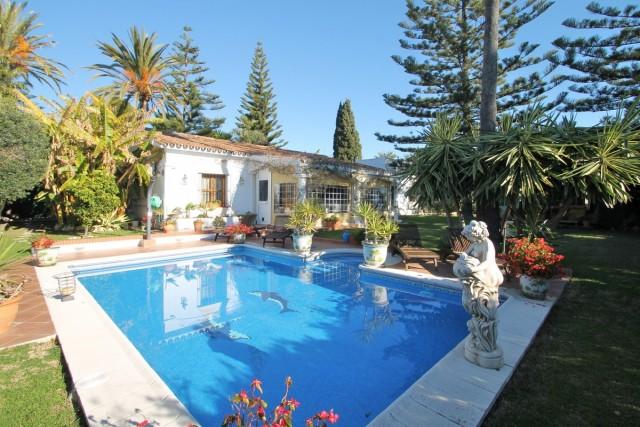 Delightful Villa for Sale in San Pedro de Alcántara, Marbella