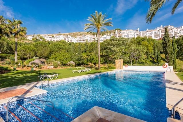 Modern Apartment for Sale in La Quinta Golf, Marbella