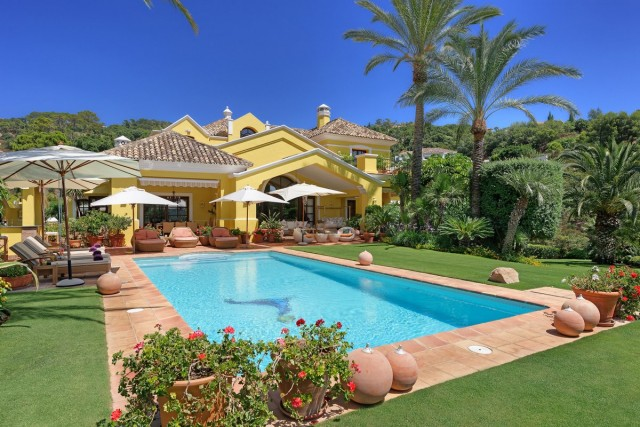 Frontline Golf Villa for Sale in La Zagaleta, Benahavis
