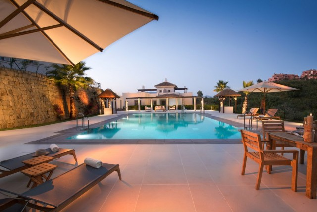 New Apartment for Sale in La Mairena, Marbella East