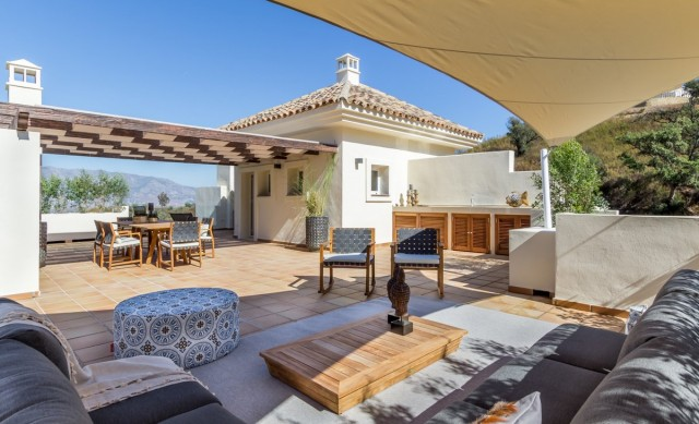 Superb Penthouse for Sale in La Mairena, Marbella East
