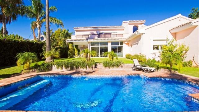 Beachside Villa for Sale in Guadalmina Baja, Marbella