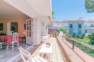 Apartment Sprzedaż Nieruchomości w Hiszpanii in El Presidente, Estepona, Málaga, Hiszpania