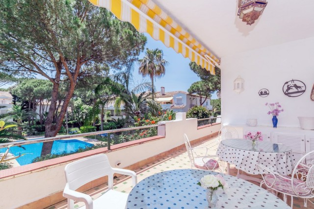 Spacious Apartment for Sale in New Golden Mile, Estepona