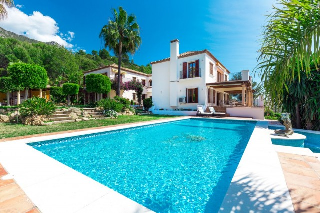 Elegant Villa for Sale in Sierra Blanca, Marbella