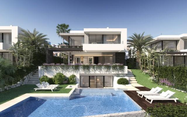 Contemporary Villa for Sale in New Golden Mile, Estepona