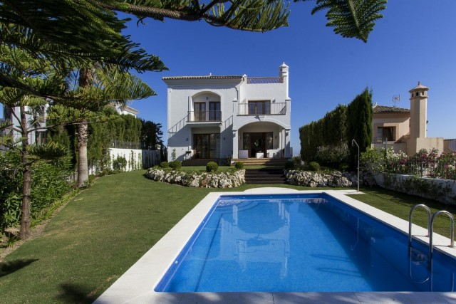 Frontline Golf Villa for Sale in New Golden Mile, Estepona