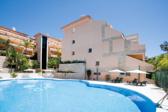 Contemporary Penthouse for Sale in Nueva Andalucia, Marbella