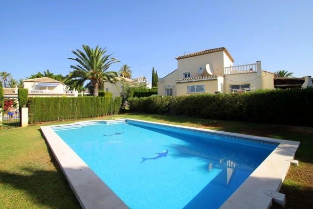 Modern Villa for Sale in El Paraiso, Benahavis